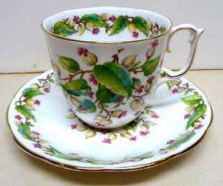 LINDEN LEA BY ROSLYN FINE BONE CHINA CUP&SAUCER ENGLAND