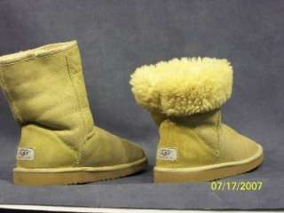 Authentic Ugg Lemon Yellow Womens size 8 Classic Short Boots