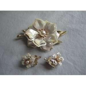 Vintage Iridescent Enamel Gold Toned Metal Floral Brooch