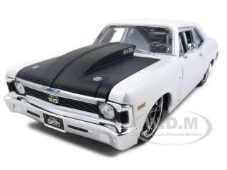 1970 CHEVROLET NOVA SS WHITE 118 CUSTOM MODEL CAR |