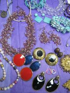 HUGE BEAD JEWELRY MAKING LOT*EARRINGS,NECKLACE&BRACELETS,GLASS,GEMS