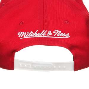 Mitchell & Ness   Detroit Red Wings NHL Vice Script Snapback Cap NE93Z