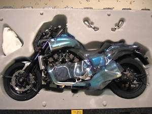 MOTO YAMAHA VMAX V MAX noir échelle 1/6 HPI RACING 8490