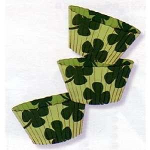 St Patricks Day Shamrock Design Baking Cups Toys & Games