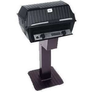 Broilmaster R3N Infrared Natural Gas Grill On Black Patio