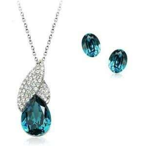 Stunning Blue Crystal Pendant & Earrings Set Used Swarovski Crystals