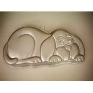 Wilton Puppy Dog Cake Pan w/ Instructions [Decorate Puppy Cake, Spot