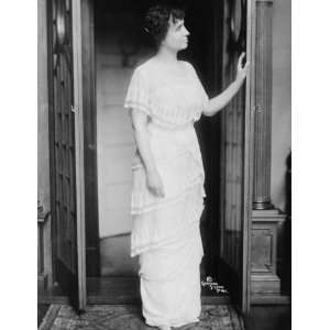 c1914 photo Helen Keller, full length portrait, standing