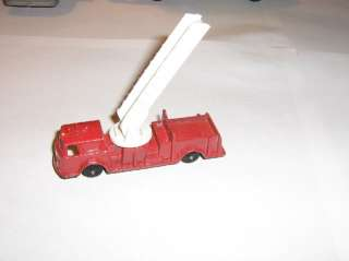 VINTAGE TOOTSIE TOY LADDER FIRE TRUCK MADE IN E USA |